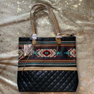 NWT • Montana west feather embroidered tote